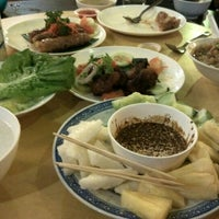Photo taken at Taiping Lang Restaurant by Tony T. on 5/9/2015