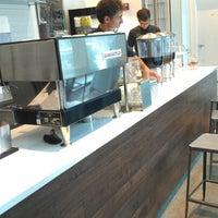 Снимок сделан в Au Breve Espresso пользователем Ray H. 9/30/2012