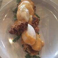 Foto scattata a Sassafras American Eatery da Frank A. il 9/21/2017