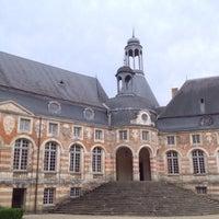 Photo taken at Château de Saint-Fargeau by Renaud A. on 8/14/2014