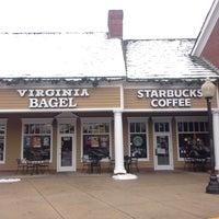 12/14/2013 tarihinde Stephen Michael F.ziyaretçi tarafından Virginia Bagel'de çekilen fotoğraf