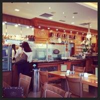 Photo taken at Gran Caffè Londra by Deniz V. on 7/29/2013