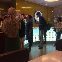 Photo taken at Big Apple Donuts & Coffee by Tinie A. on 5/10/2017