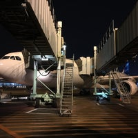 Photo taken at Gate F7 by ıɾuıɥs o. on 2/23/2016