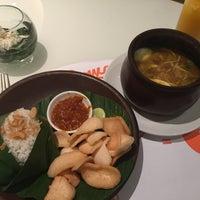 Photo taken at cafetaria Harris Hotel Kelapa Gading by ıɾuıɥs o. on 2/14/2016