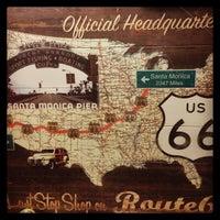"""Foto diambil di Santa Monica Route 66 """"End of the Trail"""" oleh Junle J. pada 12/30/2012"""