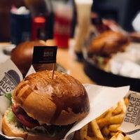 Foto tirada no(a) Burger Bucks por Abrar A. em 9/19/2018