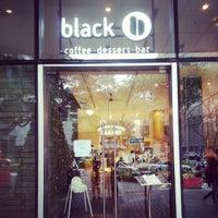 Photo prise au black coffee dessert bar par Timothy H. le12/7/2012