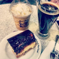 Photo taken at The Coffee Bean & Tea Leaf by Timothy H. on 6/15/2013