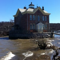 Photo taken at Saugerties Lighthouse by Willy on 4/6/2013