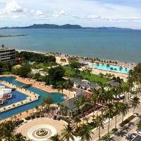 Photo taken at Ambassador City Jomtien Hotel by เติมรมณ์ @. on 9/14/2012
