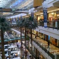 รูปภาพถ่ายที่ Pondok Indah Mall โดย Marsha A. เมื่อ 1/19/2013