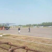 Foto diambil di Bandar Udara Tunggul Wulung (CXP) oleh Berdi D. pada 7/21/2015
