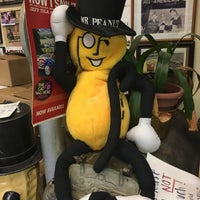 Photo taken at Peanut Shoppe by Laura on 11/26/2017