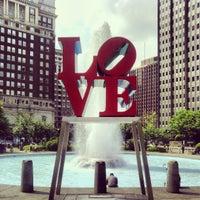 5/16/2013 tarihinde Nicholas G.ziyaretçi tarafından JFK Plaza / Love Park'de çekilen fotoğraf