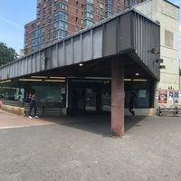 Photo taken at MTA Subway - Roosevelt Island (F) by Matt B. on 6/22/2017