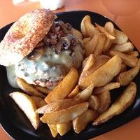 Foto tomada en The Burger Laboratory por Mario A. el 5/3/2013