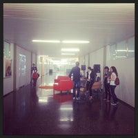 Das Foto wurde bei Escola Tècnica Superior d'Arquitectura von Bea V. am 10/17/2013 aufgenommen