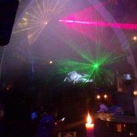 Foto tomada en TOM'S Leather Bar por Sinhue M. el 11/24/2012
