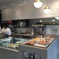 10/3/2016にTina W.がMah-Ze-Dahr Bakeryで撮った写真