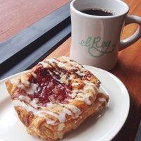 9/21/2013にTina W.がEl Rey Coffee Bar & Luncheonetteで撮った写真