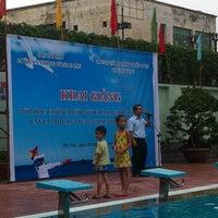 Photo taken at Trung Tâm Thanh Thiếu Niên (Bể Bơi) by Vu D. on 7/13/2014