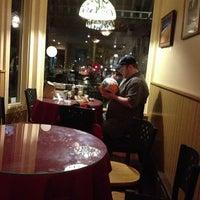 Foto scattata a Breaking New Grounds da Tony R. il 10/3/2012