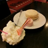 Photo taken at Mad Italian Gelato Bar by Ernest L. on 8/29/2013