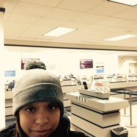 Photo taken at Guardian Credit Union by Victoria W. on 12/10/2014