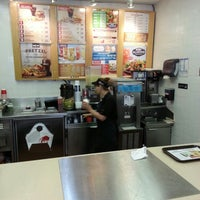 Photo taken at Wendy's by Victoria W. on 7/11/2013
