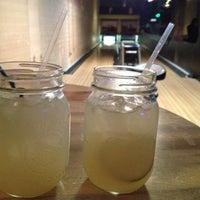 11/22/2012 tarihinde John H.ziyaretçi tarafından Punch Bowl Social'de çekilen fotoğraf