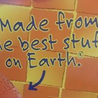 Снимок сделан в Corner Deli & Cafe пользователем Shawn C. 10/5/2012