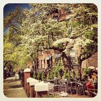 5/10/2013 tarihinde Marie-Anne V.ziyaretçi tarafından Pavement Coffeehouse'de çekilen fotoğraf