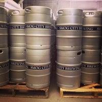 Foto tomada en Smog City Brewing Company por Bennett K. el 7/7/2013