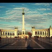 11/30/2012 tarihinde Zalán N.ziyaretçi tarafından Hősök Tere | Heroes Square'de çekilen fotoğraf
