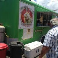 Das Foto wurde bei Pacos Tacos von Bill S. am 6/28/2013 aufgenommen