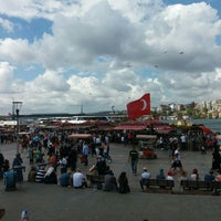 Photo taken at Istanbul Eminonu Balik Ekmek by Oğuz B. on 8/27/2016