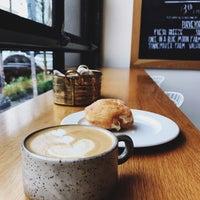 Das Foto wurde bei General Porpoise Coffee & Doughnuts von Joey B. am 4/16/2018 aufgenommen