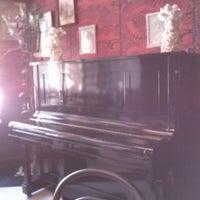 10/9/2013에 Jaime B.님이 Madame Zuzu's Tea House에서 찍은 사진