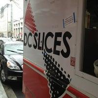 Foto tirada no(a) DC Slices por Chris C. em 2/26/2013
