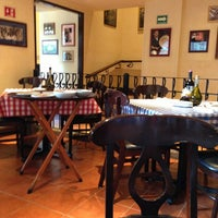 Photo taken at Italianni's Pasta, Pizza & Vino by Jesús C. on 5/30/2013