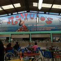 Photo taken at Mariscos Romulos by Jesús C. on 4/3/2013