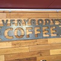 Снимок сделан в Everybody's Coffee пользователем Phoenix J. 8/5/2018