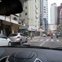 Foto tirada no(a) Avenida Central por Dialison C. em 8/2/2016