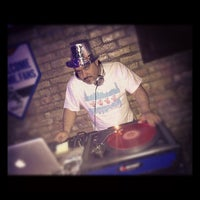 Photo taken at Black Tooth's Chicago Sports Bar & Lounge by Dj EDLo P. on 1/1/2013
