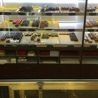 Photo taken at Sandy's Donuts by Wayne W. on 5/18/2016
