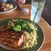 Photo taken at Applebee's Neighborhood Grill & Bar by Mrlbi on 5/12/2013