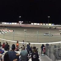 Foto tirada no(a) Bullring at Las Vegas Motor Speedway por Sam V. em 9/25/2016