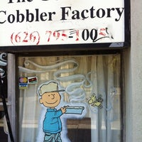 Photo taken at The Gourmet Cobbler Factory by Lydia on 11/6/2013