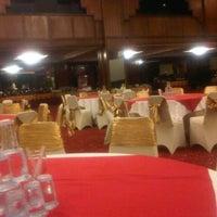 Photo taken at Gran Senyiur Hotel by Abdi L. on 5/11/2013